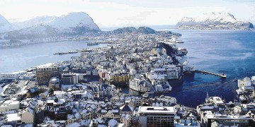 Ports and harbours are ice-free all year allowing the transport of goods and passengers