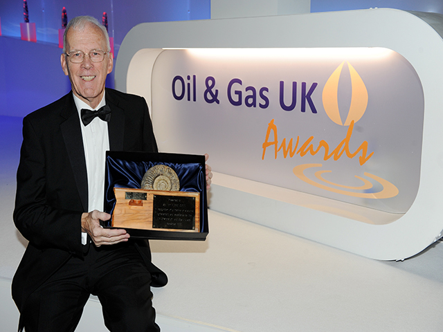 Sir Ian Wood reciving the Lifetime Achievement Award at the 2012 awards