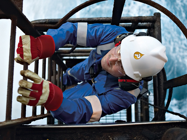 Petrofac will manage plugging and abandonment of three wells on the Thames project