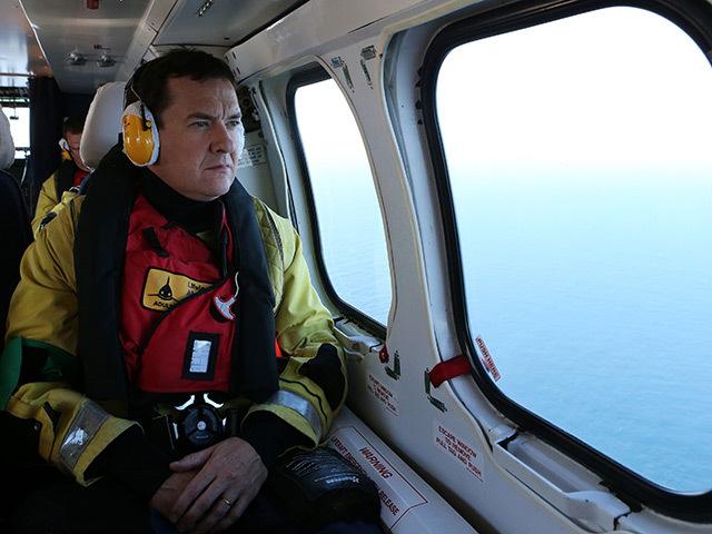 Chancellor George Osborne flies to the North Sea on a Super Puma AS332L