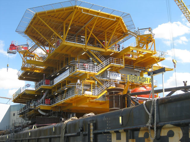 Breagh Alpha deck loaded onto the installation barge Photo: RWE Dea