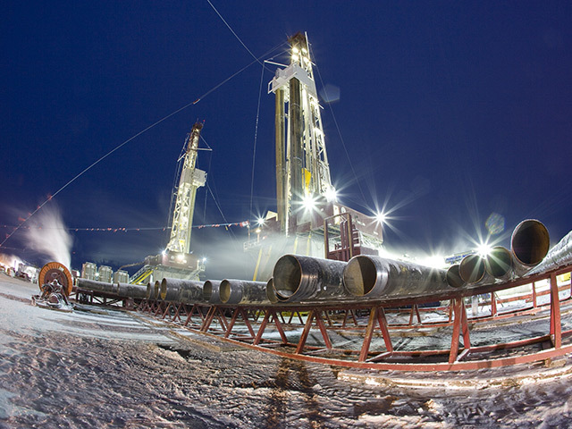 Rig drills for shale gas in the Horn River Basin at Dilly Creek, Canada