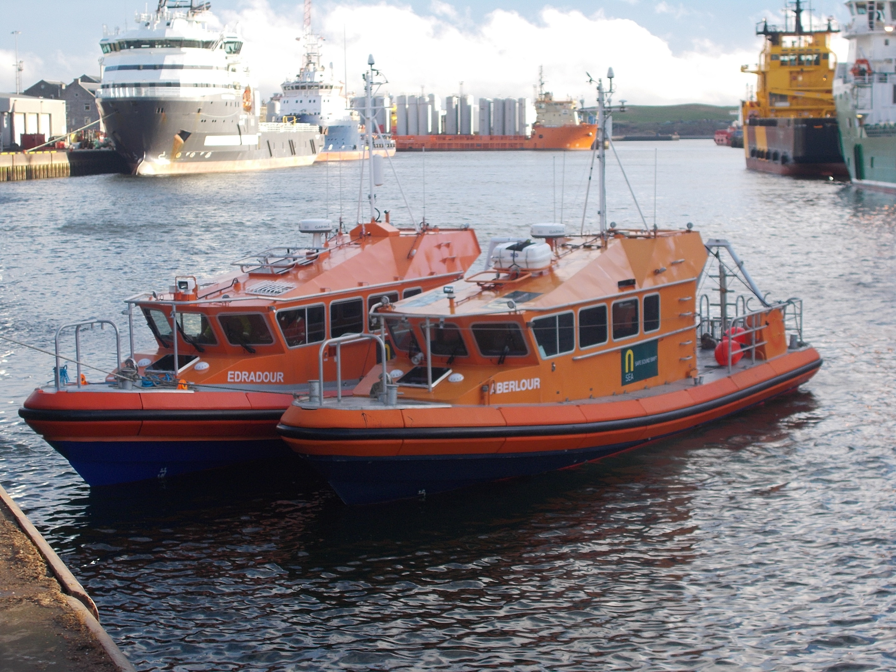 The Edradour with its sister vessel The Aberlour