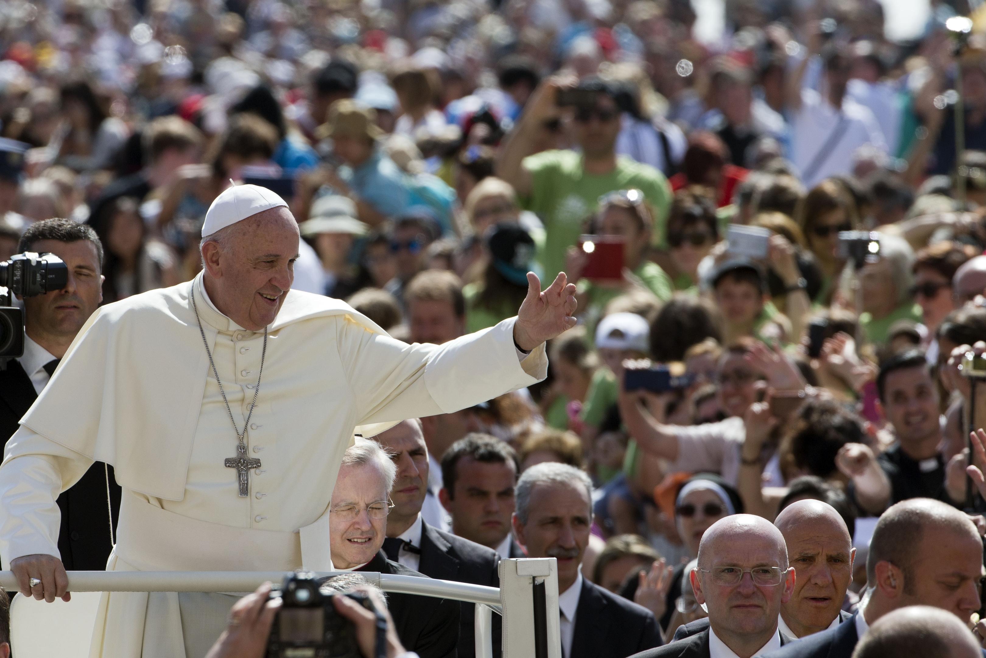Pope makes clean energy plea