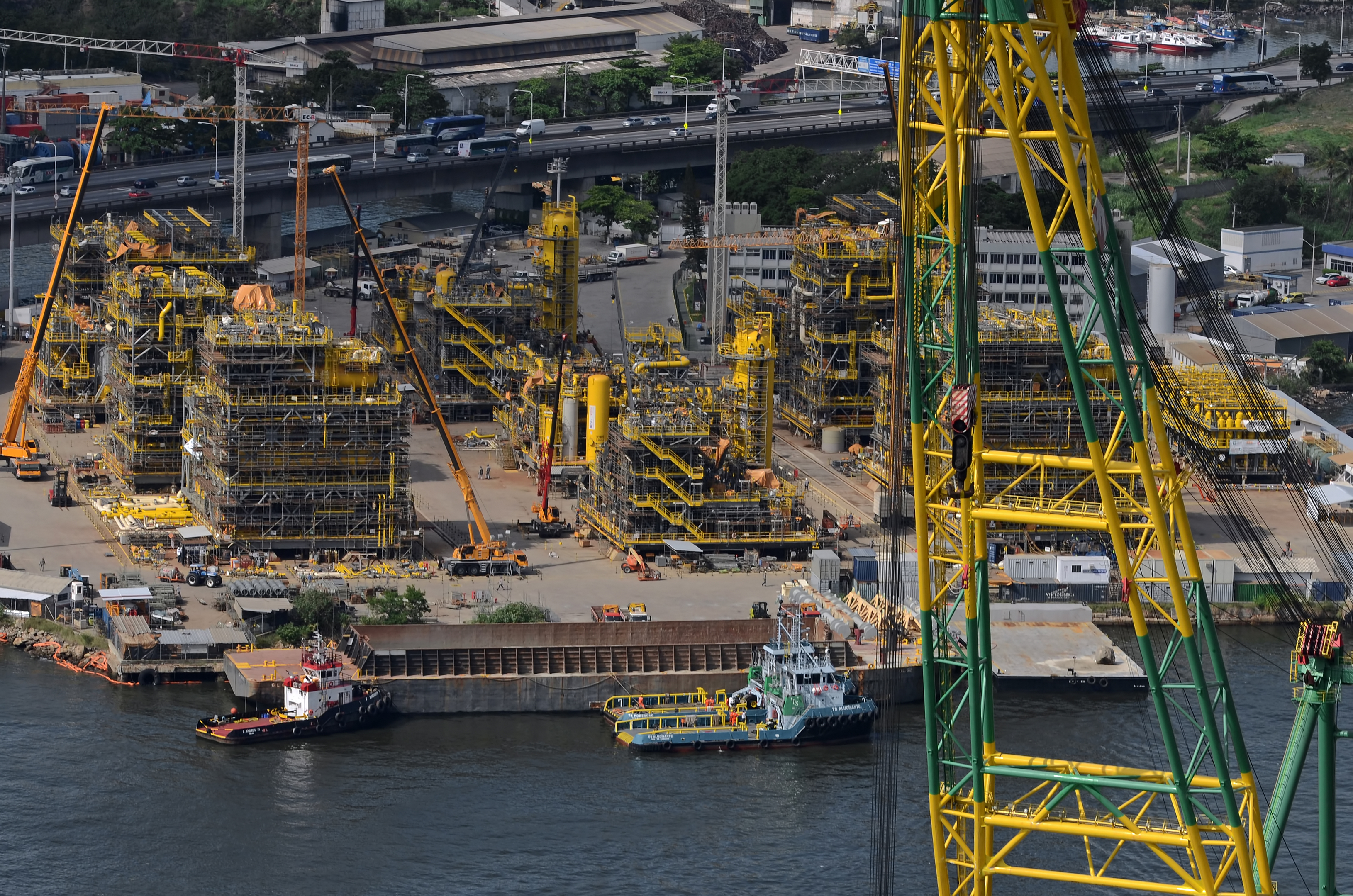 Modules being constructed at Brasa shipyard, Brazil for twin FPSOs Cidade de Marica and Cidade de Saquarema. Sobrevôo ao site do Estaleiro Brasa em Abril 2015