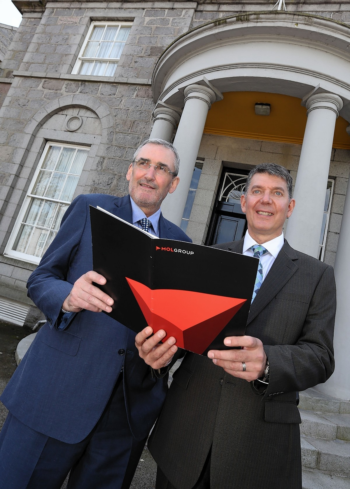 Caption: L  - R Alex Dodds and Chris Bird at the Aberdeen offices of MOL Group