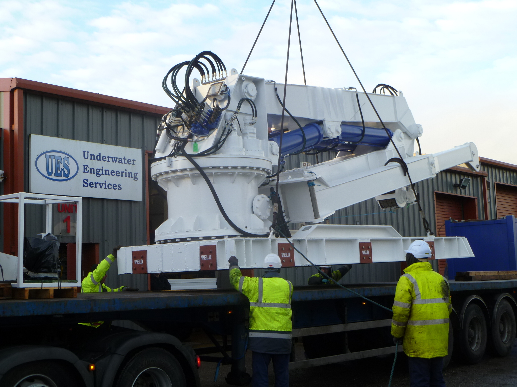 UES engineers complete the refurbishment of client's marine crane