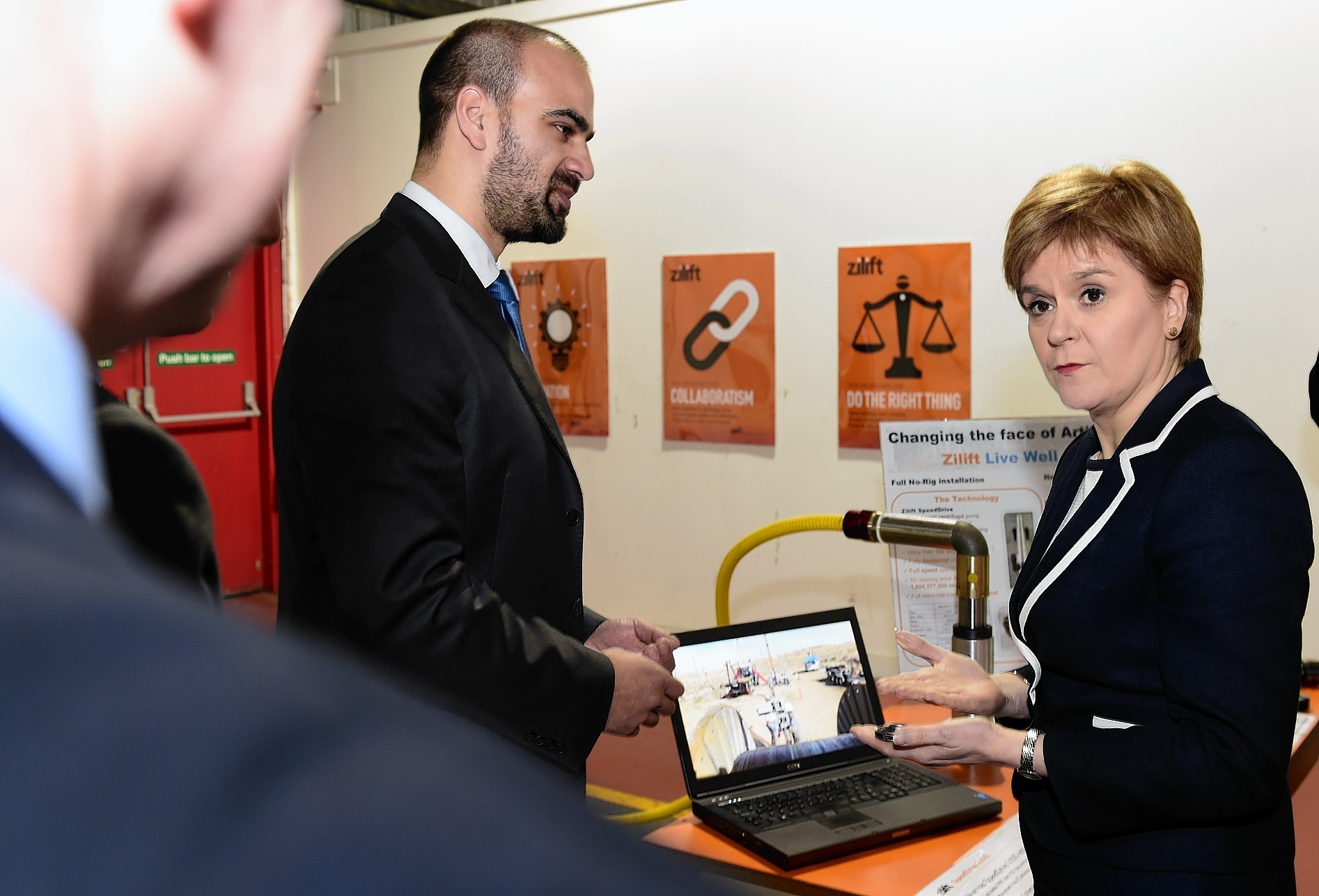 First Minister Nicola Sturgeon at Zilift, SpeedDrive Business Unit, with Mike Rushby, Manager of SpeedDrive Business Unit.