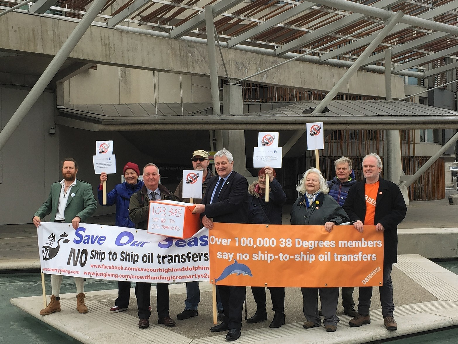 Highlands and Islands MSP John Finnie joined campaigners from Cromarty Rising at the Scottish Parliament's Public Petitions Committee calling for proposals for ship to ship oil transfer in the Cromarty Firth to be thrown out.