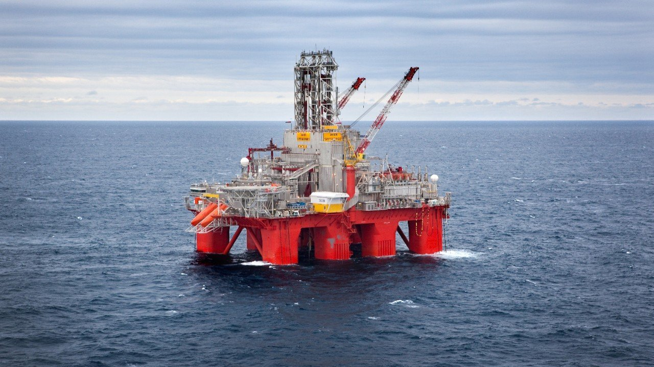 The Transocean Spitsbergen drilling rig.