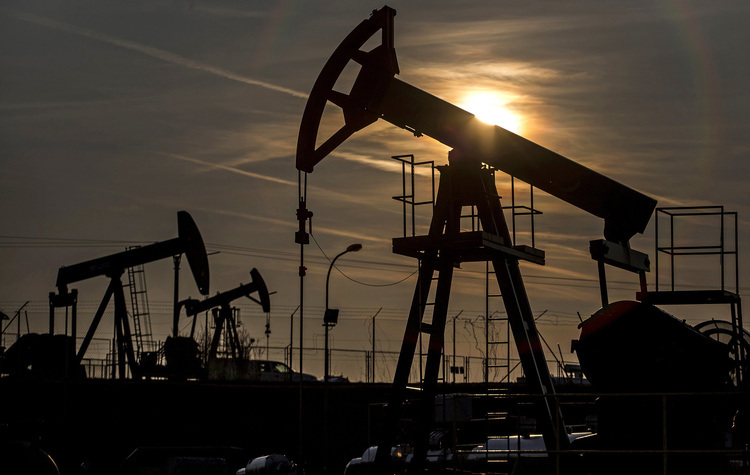 Oil's weekly gain belies small increase from late-2016 - News for