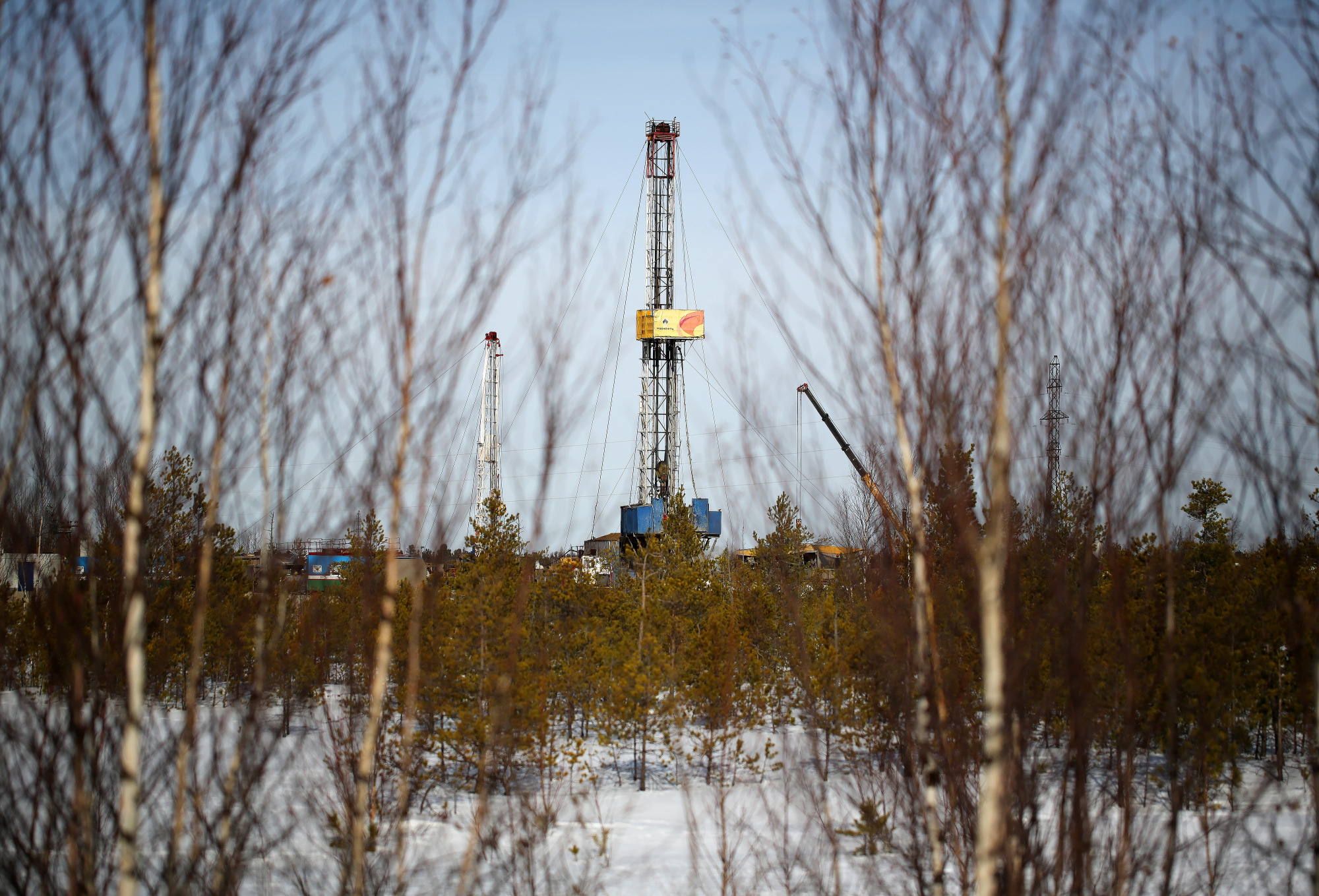 A drilling rig stands in an oilfield in Russia. Photographer: Andrey Rudakov/Bloomberg