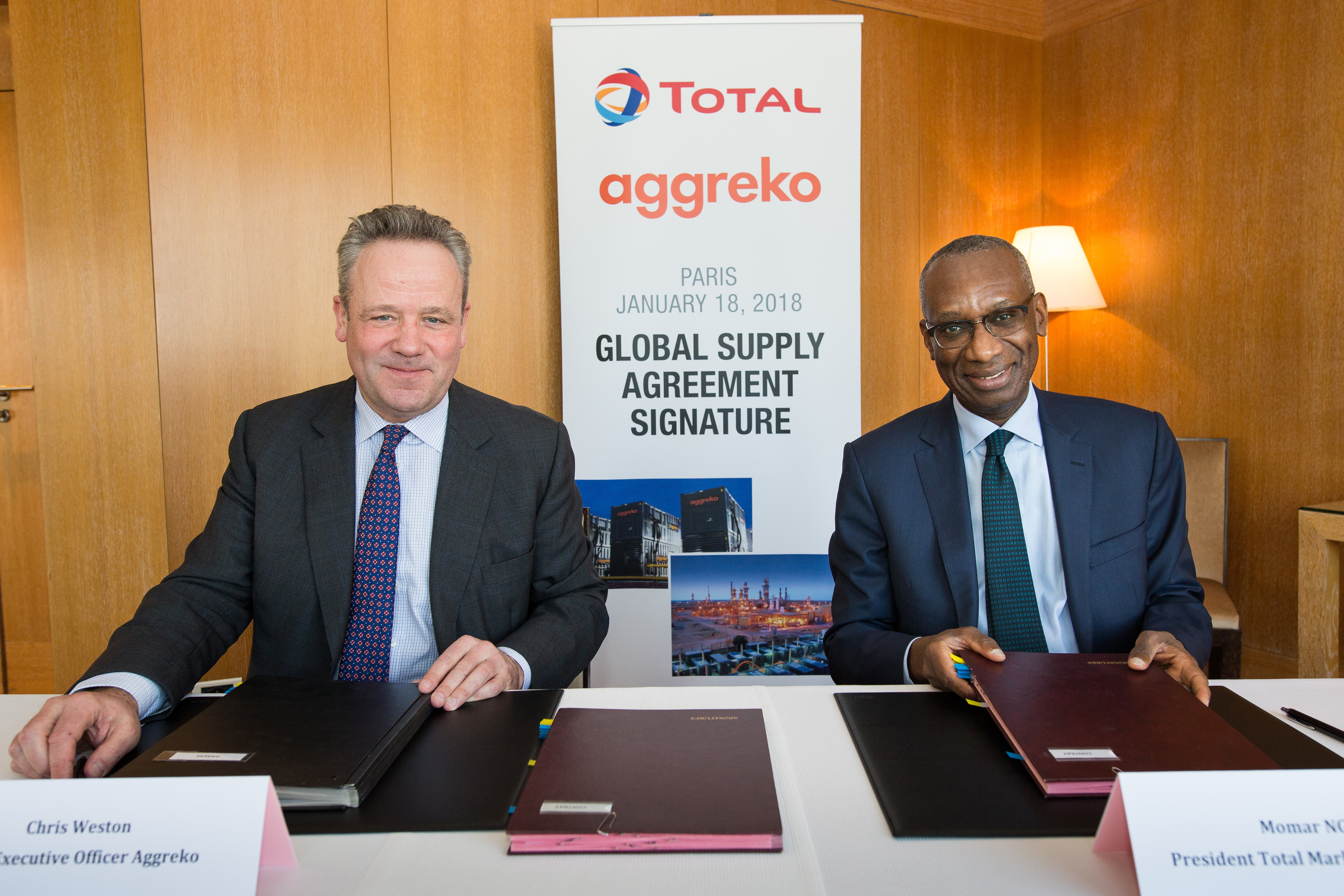 Total Aggreko global supply agreement signature Chris Weston Momar Nguer