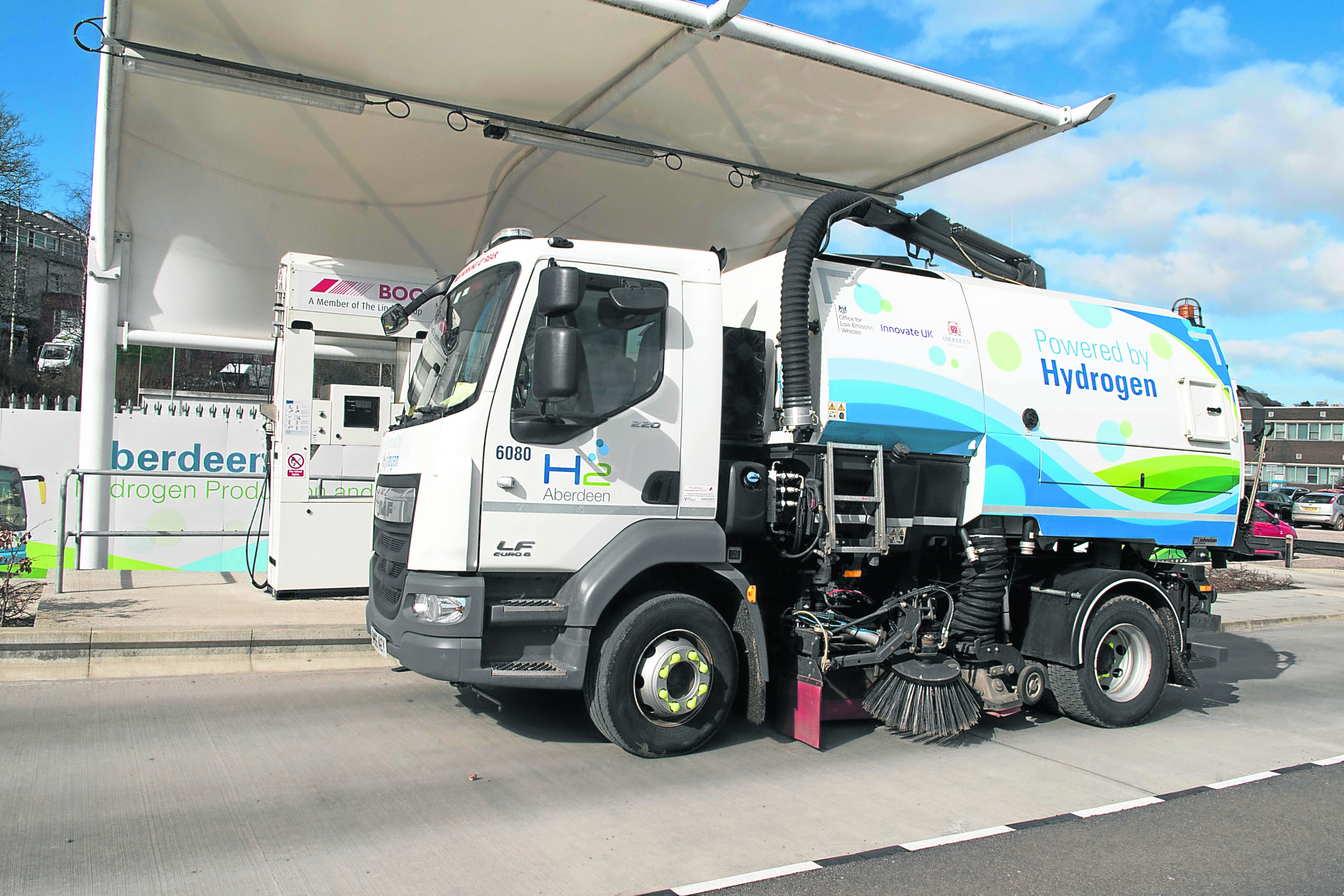 Hydrogen powered Road Sweeper