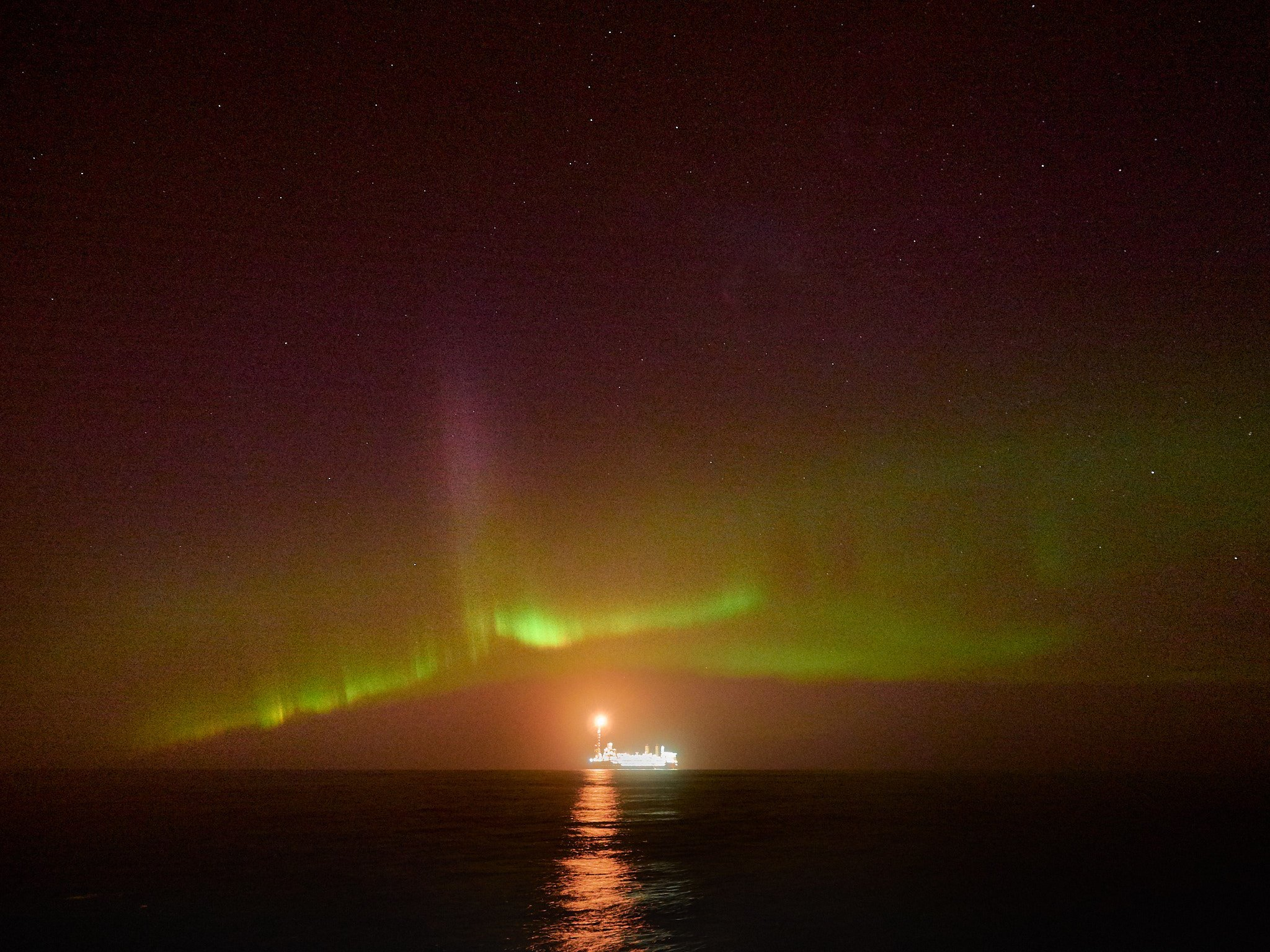 The northern lights spotted over BP's Glen Lyon FPSO. Picture by Steven Donaldson.