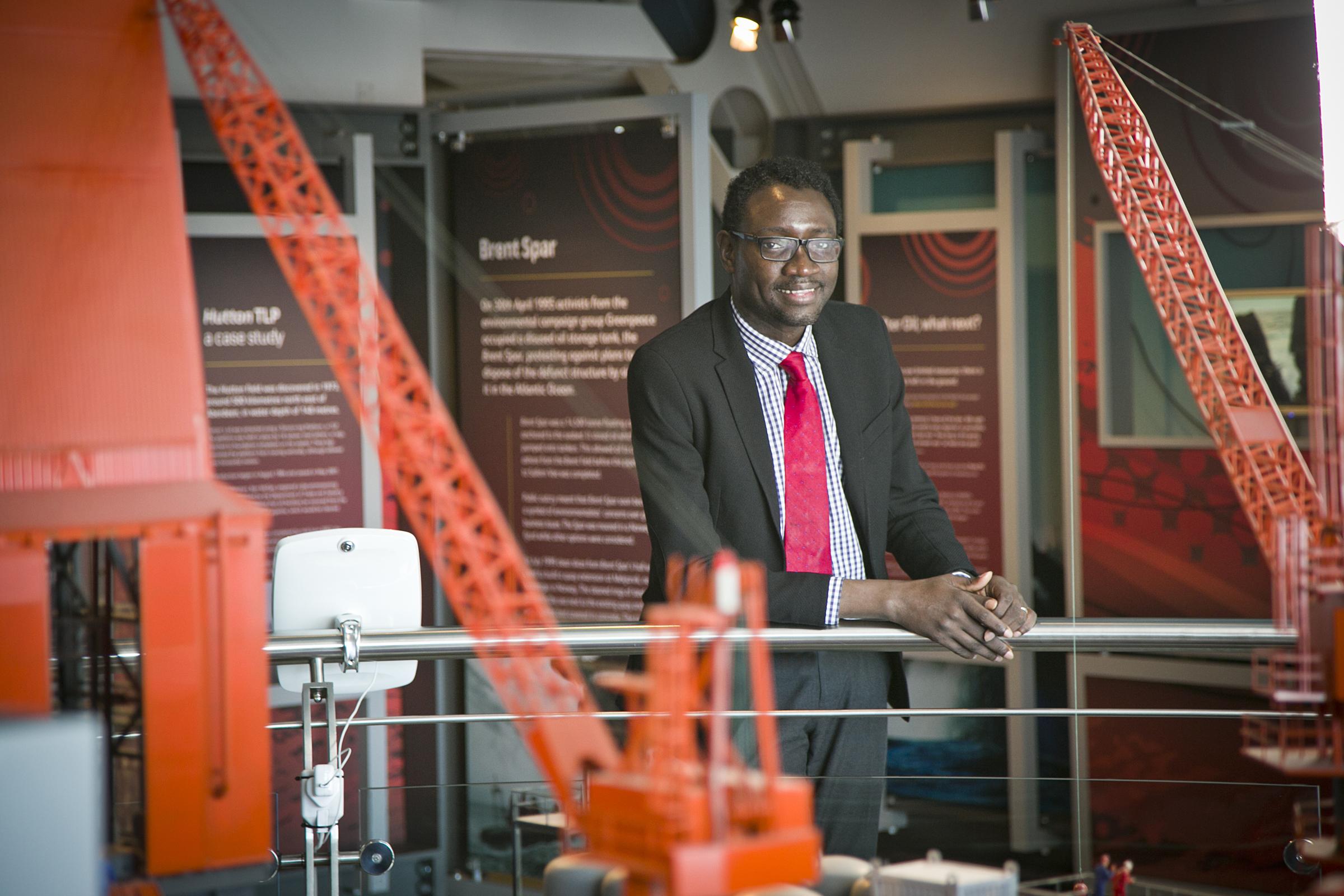 Dr Ollie Folayan
