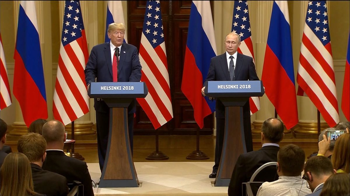 US President Trump with Russian President Vladmir Putin
