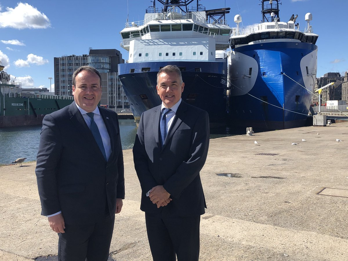 Scottish energy minister Paul Wheelhouse with newly-appointed CEO of Decom North Sea John Warrender at Aberdeen harbour.