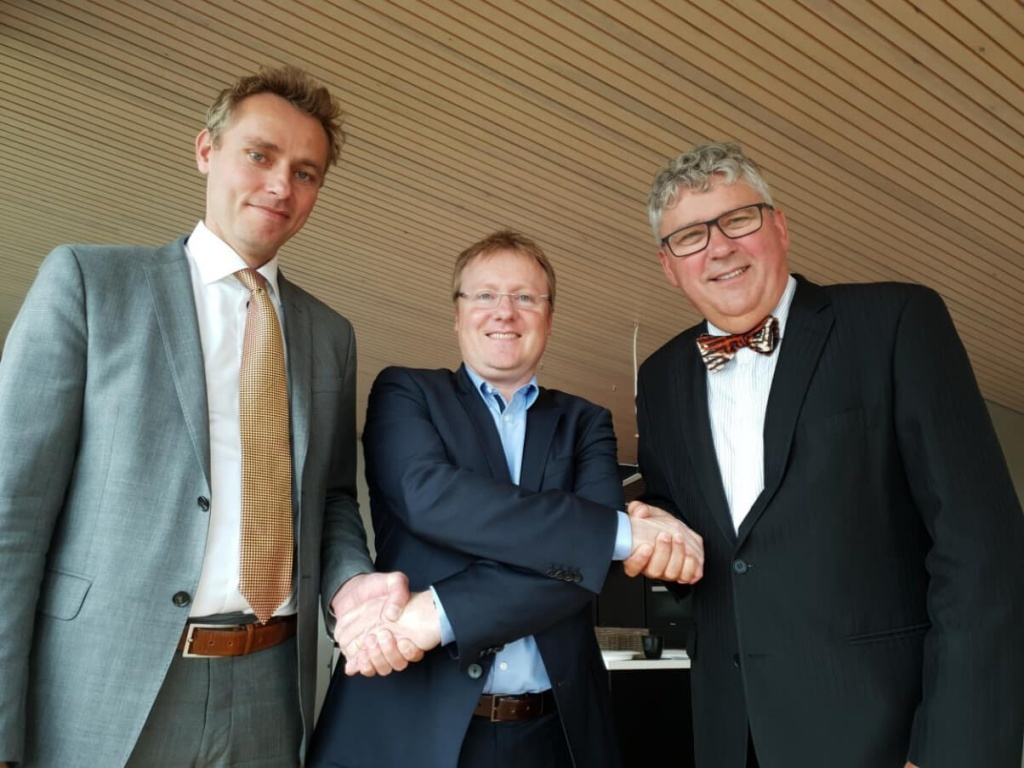 From left: Ola Borten Moe, Rich Denny (Managing Director A/S Norske Shell) and Erik Haugane.