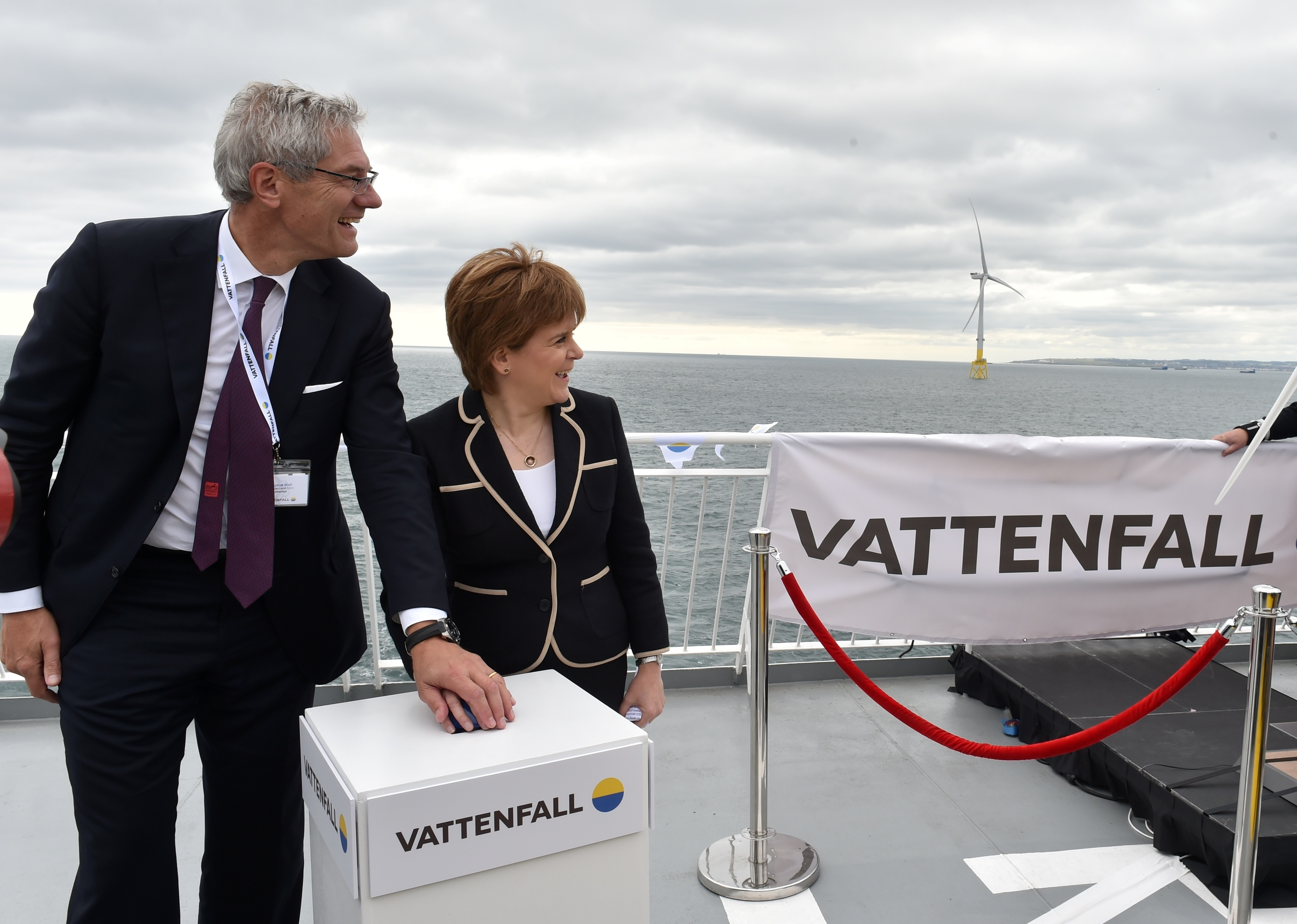 First Minister Nicola Sturgeon officially opened the Vattenfall's 93.2MW facility in Aberdeen. She is with President and Chief Executive officer at Vattenfall, Magnus Hall. Picture by COLIN RENNIE    September 7, 2018.