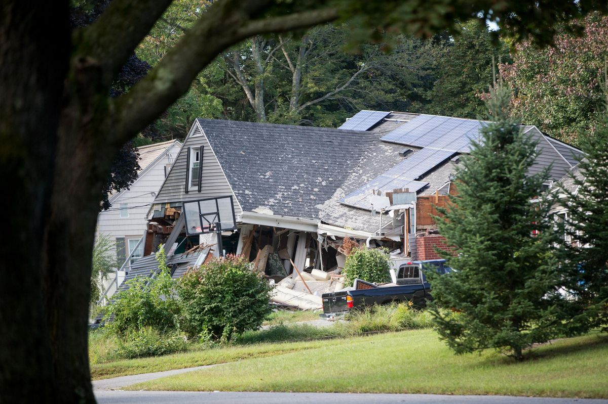 A home damaged by an explosion stands on Chickering Street in Lawrence, Massachusetts on Sept. 14, 2018. Photographer: Scott Eisen/Bloomberg