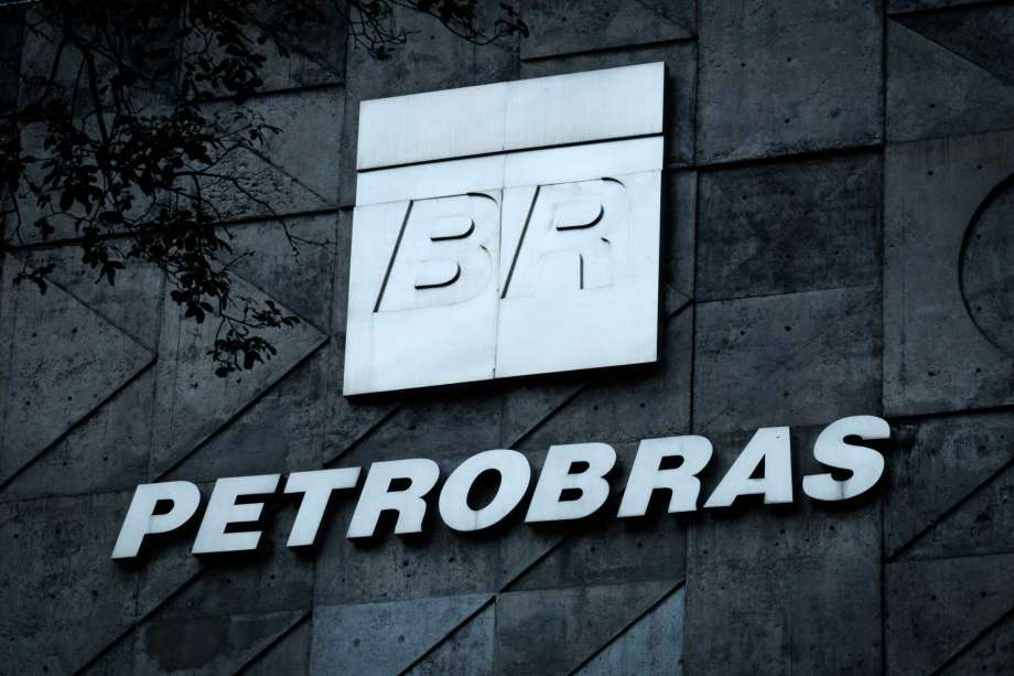 This file photo taken on July 15, 2016 shows the logo of Brazilian oil company Petrobras over the entrance to its headquarters in Rio de Janeiro, Brazil.