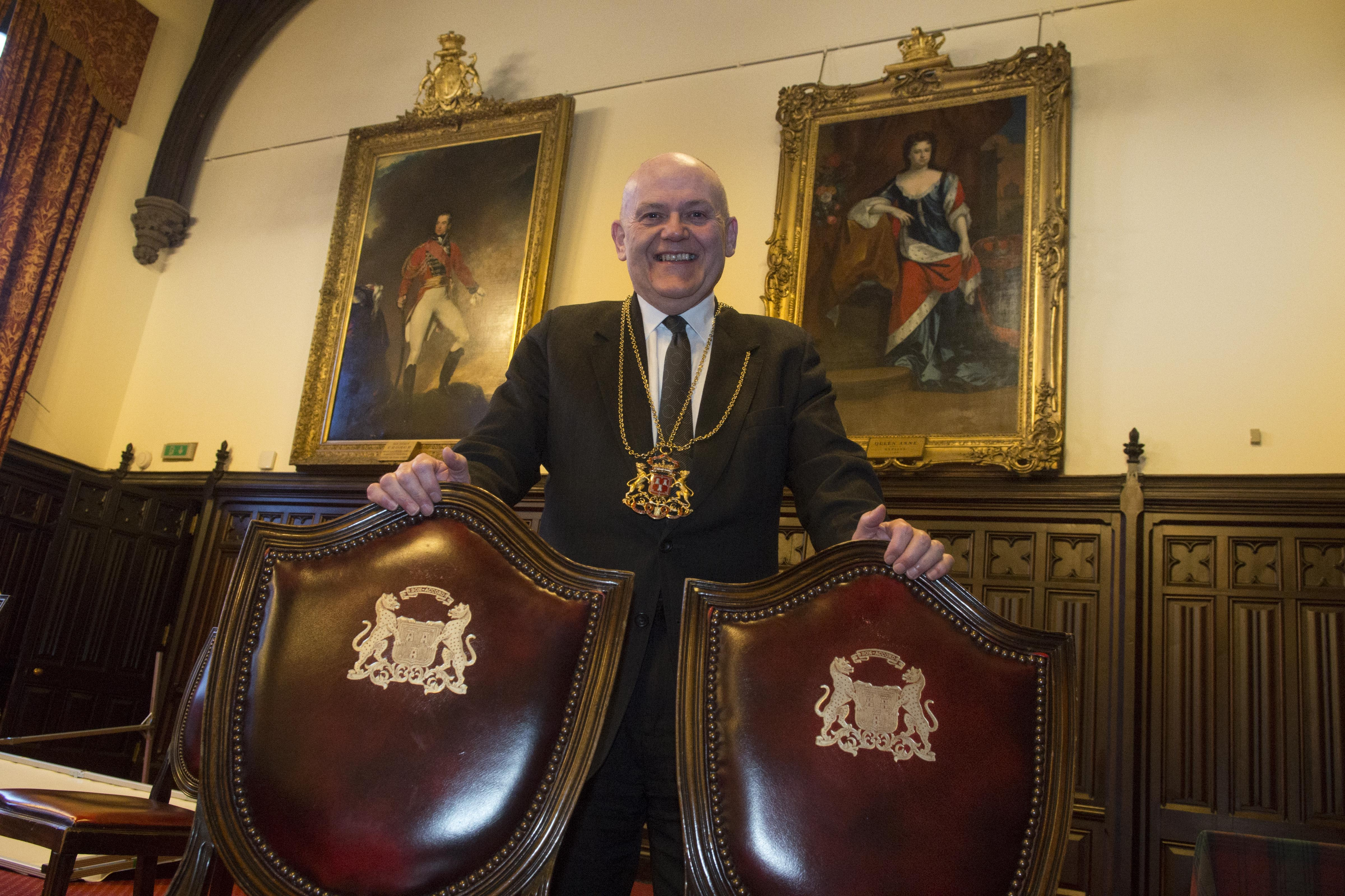22/01/19 The Lord provost Barney Crockett next to the portrait of Queen Anne trhat hangs in the Aberdeeen Town House who is the subject of a new film in cinemas, The Favourite