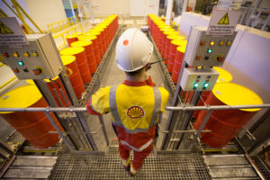 Shell quits Kazakh projects after judging them uneconomic