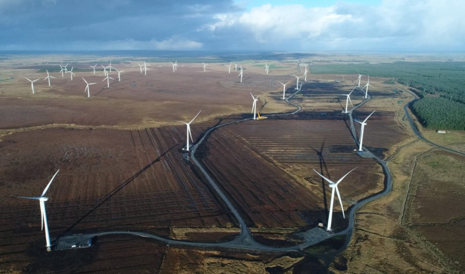 New Highland onshore wind farm to bring in £3.3m
