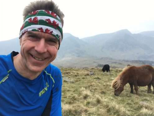 Dräger manager Dave Thompson training in Snowdonia National Park