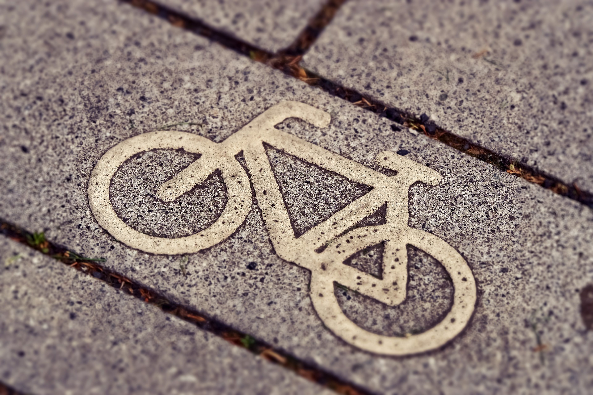 Glasgow introduces fleet of electric bikes across city