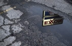 Exxon's credit rating outlook lowered by Moody's on cash burn