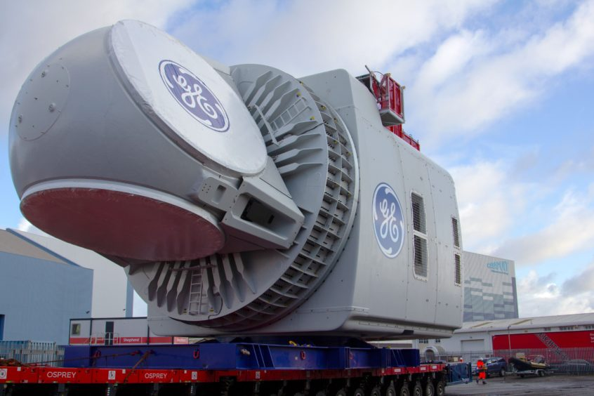 World's most powerful wind turbine swoops into UK for testing