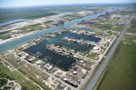 FERC approves four LNG export plans