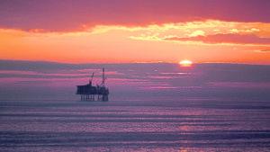 Oil bosses to put decarbonisation 'at heart' of spending despite weakening confidence – DNV GL report