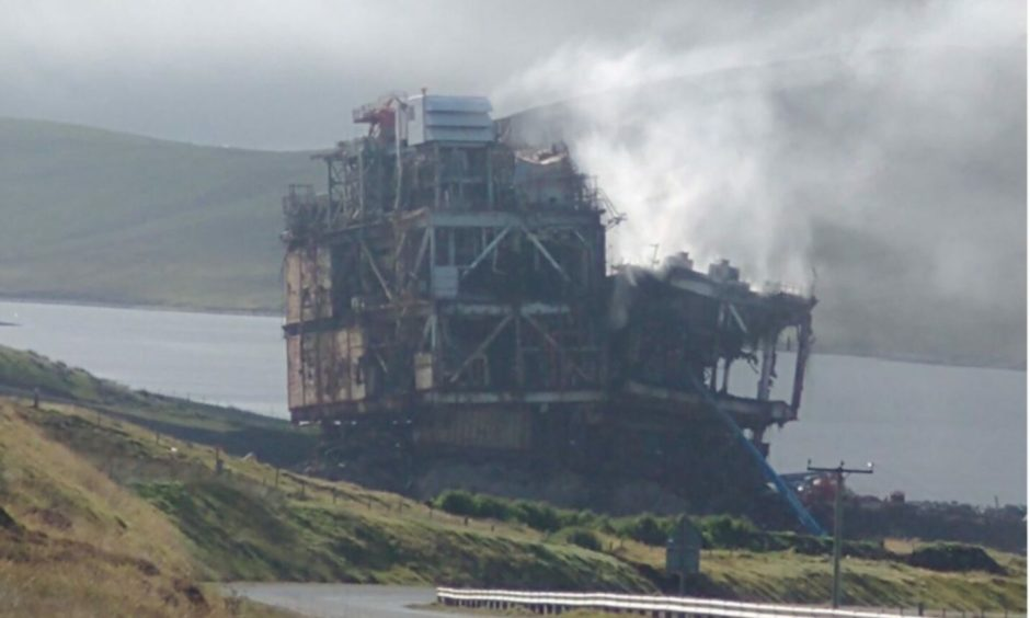 Smoke seen billowing from decommissioned Ninian Northern platform
